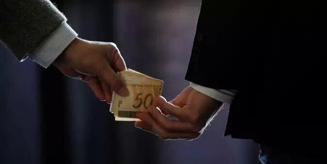 Brasileiros que saem do país apontam corrupção e instabilidade como causas